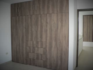 Ruang Ganti Modern Oleh ARQMA Arquitectura & Diseño Modern