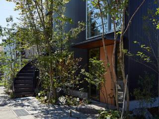 Modern Garden by YOKOI TSUTOMU architects Modern