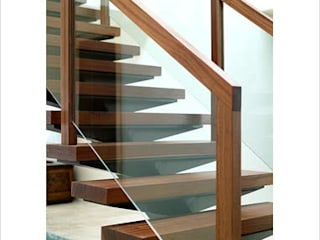Interior Designer Classic style corridor, hallway and stairs by SAKUTEKI - Interior And Landscape Designers(consultants and executers) Classic