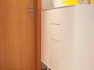 Ausgefallener Flur, Diele & Treppenhaus von Perfect Home Interiors Ausgefallen