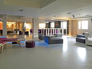 Topcret 现代客厅設計點子、靈感 & 圖片 Grey