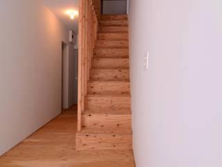 StarterMachiya_Project クラシカルスタイルの 玄関&廊下&階段 の colocoloenterprise クラシック