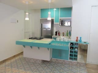 Tropical style kitchen by Rachel Avellar Interiores Tropical