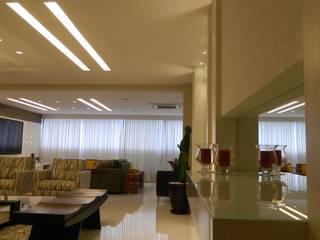 Sala Linda Salas de estar modernas por Lélia Chitarra Moderno
