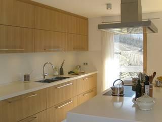La Cucina:  in stile  di melle-metzen architects