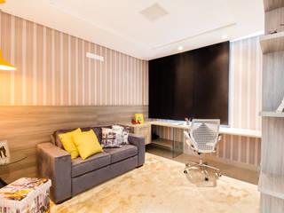 Moderne Schlafzimmer von Lícia Cardoso e Rafaella Resende Modern