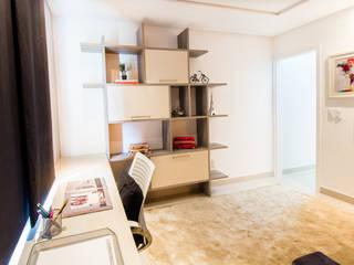 Casa Duplex em condominio fechado: Quartos  por Lícia Cardoso e Rafaella Resende