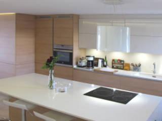 Appartamento a Palma de Maiorca: Cucina in stile in stile Moderno di basarchitetti