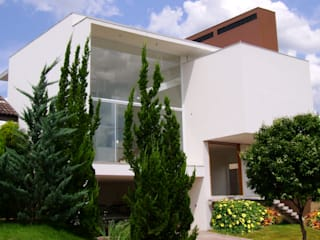 Дома в стиле модерн от BRAVIM ARQUITETURA Модерн