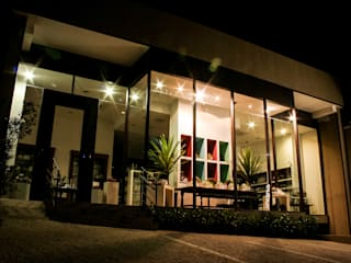 Loja de Rua Lojas & Imóveis comerciais modernos por Stella Mangabeira Arquitetura e Interiores Moderno