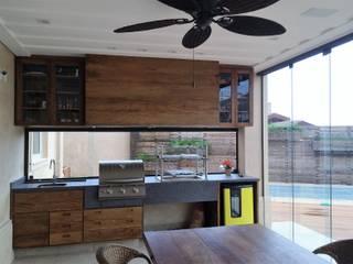Espaço Gourmet Varandas, alpendres e terraços rústicos por Stella Mangabeira Arquitetura e Interiores Rústico