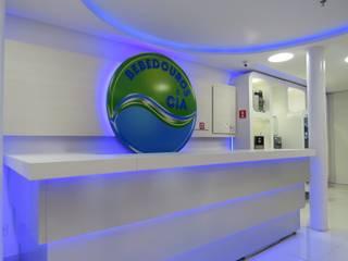 Oficinas y tiendas de estilo minimalista de Repsold Projetos e Design Minimalista
