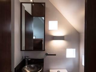 Casa Xomalli: Baños de estilo  por DMP Arquitectura