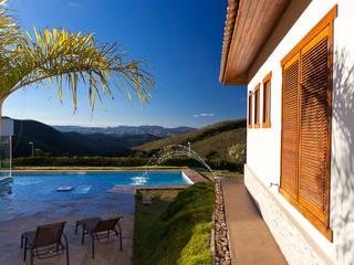 Casa SB: Piscinas  por Patricia Abreu arquitetura e design de interiores,