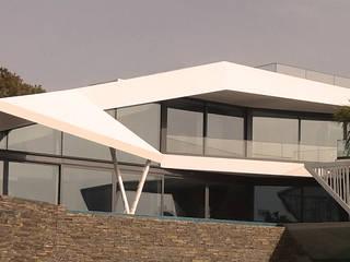 Moradia Praia dos Salgados Lote 52 por nPoente - Arquitectura, Design, 3D, Lda Moderno