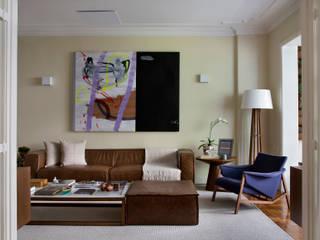 Apart. Laranjeiras: Salas de estar  por Suzana Duarte - Arquitetura & Design