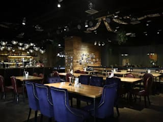 Bars & clubs by 直譯空間設計有限公司