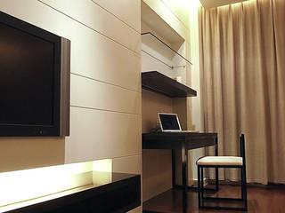 Hotels by 直譯空間設計有限公司, Modern