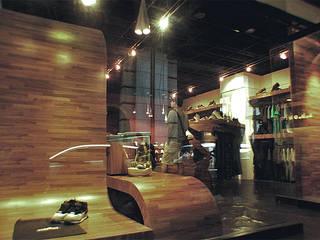 S.H.OWIN桃園店 根據 直譯空間設計有限公司 現代風