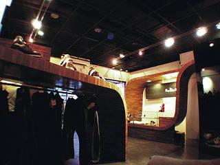 Offices & stores by 直譯空間設計有限公司, Modern