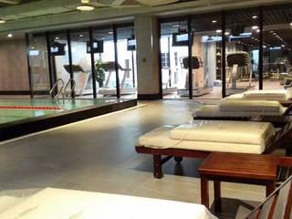 Hoteles de estilo minimalista de 直譯空間設計有限公司 Minimalista