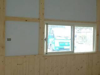 鋼構儲藏空間:  窗 by 鄉村家園開發股份有限公司