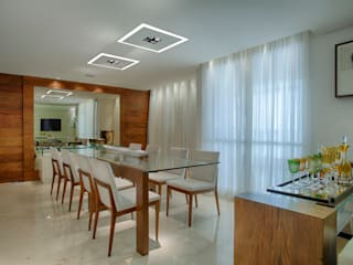 Modern Dining Room by Isabella Magalhães Arquitetura & Interiores Modern