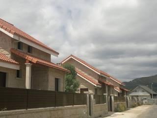 Viviendas Unifamiliares Casas de estilo moderno de Construcciones Ropán, S.L Moderno
