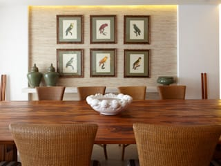 Dining room by STUDIO GUTO MARTINS, Tropical