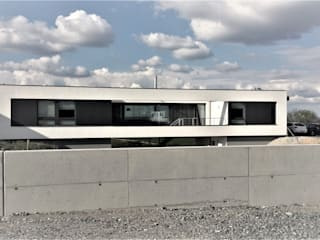 Südfassade: moderne Häuser von grmw
