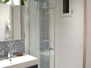 Modern bathroom by Pièces d'identité Modern
