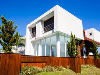 Residência JM por ImoveLINE Arquitetura e Construção Moderno
