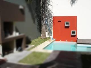 Piscina : Piletas de estilo  por VHA Arquitectura