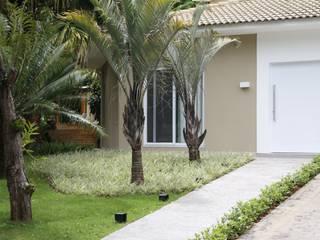 Maisons de style  par MONICA SPADA DURANTE ARQUITETURA,
