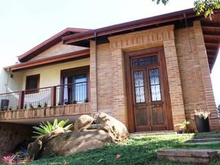 Rustic style house by Barros e Zanolini Arquitetura e construção Rustic