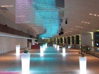Colgantes cuentas facetadas Casino Marina del Sol, Concepción. de Brito Arte y Diseño Moderno