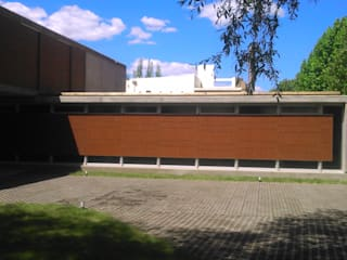 Minimalist house by STREMEL CONSTRUCCIONES SRL Minimalist