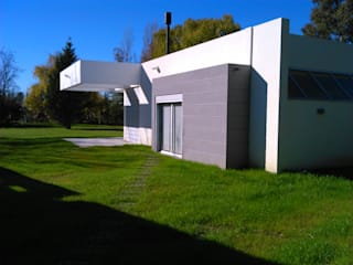 Modern houses by STREMEL CONSTRUCCIONES SRL Modern
