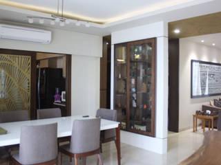 Four bedroom apartment in Gurgaon Stonehenge Designs Minimalist dining room