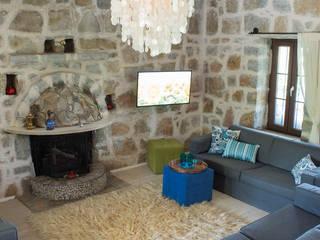 Ebru Erol Mimarlık Atölyesi – Önal & Haike  Öncebe Evi:  tarz Oturma Odası