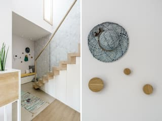 Pasillos y vestíbulos de estilo  de Saje Architekci Joanna Morkowska-Saj, Escandinavo