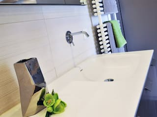 Modern Bathroom by MD Creative Lab - Architettura & Design Modern