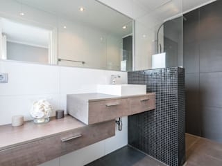 Modern style bathrooms by STUDIO KALTOFEN Modern