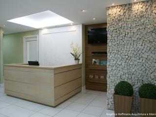 Vitallis Clínica Odontológica Clínicas modernas por Angelica Hoffmann Arquitetura e Interiores Moderno