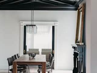 Modern dining room by FLUID LIVING STUDIO Modern