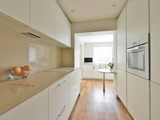 Lucy Millers Kitchen Modern kitchen by Diane Berry Kitchens Modern