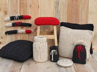 trzy manufaktury EstudioDecoración y accesorios Rojo
