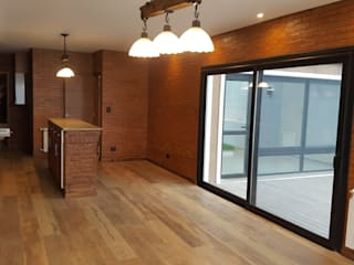 Salle à manger de style  par Arquitecto Oscar Alvarez,