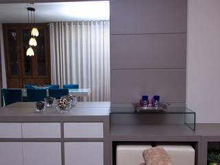Decoração Apartamento L.B DTE Arquitetura e Consultoria LTDA Salas de jantar modernas