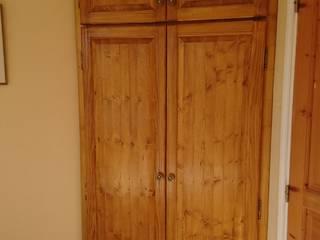 Armoire de chambre - sur mesure en pin Chambre moderne par MRjohnnyBRICO Toulon Moderne